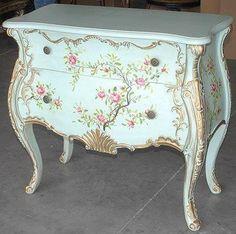 cómoda estilo francés artesanalmente pintada