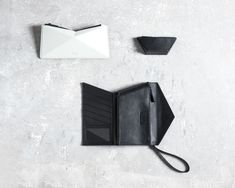 With a focus on bold silhouettes, FINELL'S new geometric leather handbags take inspiration from origami with their faceted, angular forms. Origami, Monochrome Fashion, Small Leather Goods, Leather Accessories, Leather Fashion, Backpack Bags, Leather Handbags, Leather Bags, Creations