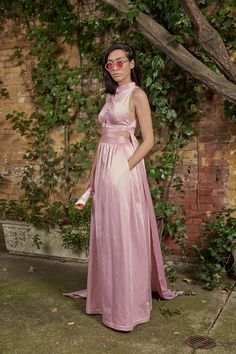 See the complete Rosie Assoulin Resort 2018 collection.
