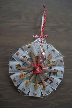 New diy weihnachtsgeschenke klein ideas Diy Christmas Lights, Christmas Diy, Christmas Bulbs, Christmas Decorations, Diy Cadeau Maitresse, Handmade Gifts For Boyfriend, Diy Wedding Bouquet, Diy Birthday, Small Gifts