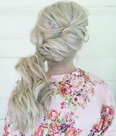 Twisted and Pinned Blonde Ponytail- Side ponytail hairstyles Bridesmaid Hair Ponytail, Bridesmaid Hair Medium Length, Bridesmaid Hair Half Up, Side Ponytail Hairstyles, Side Ponytails, Headband Hairstyles, Blonde Ponytail, Ponytail Ideas, Short Hairstyles
