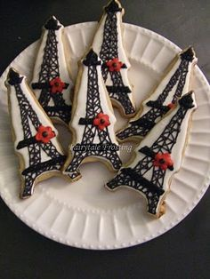 Eiffel Tower Cookies...bought this cookie cutter in Paris!