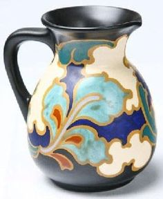 This early Iranian made beaker created in Susa (modern Shush in Iran) which is now in Louvre Museum of Paris, depicts a bold, mini. Pottery Painting, Pottery Art, Mycenaean, Glazes For Pottery, Polish Pottery, Gouda, Jar Storage, Earthenware, Art Nouveau