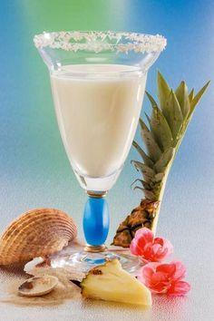 Buttermilch-Shake mit Ananas