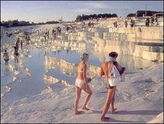(Turkey) Pamukkale is one of the natural wonders of the world. It is a unique geological formation formed over years. The spring water at Pamukkale has therapeutic qualities and since antiquity has been said to cure rheumatism, kidney and heart diseases. Pamukkale, Istanbul Tours, Istanbul Travel, Funny Images Gallery, Funny Pictures, Over The River, Antalya, Natural Wonders, Wonders Of The World