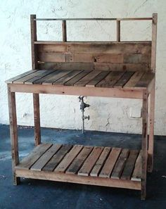 pallet work bench...TJ you totally need to make this for the garage