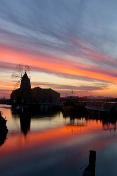 #Saltpans colorful #sunset in #Trapani www.bebtrapanigranveliero.it