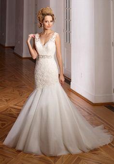 Elegantes elfenbeinfarbenes Hochzeitskleid im Meerjungfrauen-Stil aus Spitze - von Diane Legrand