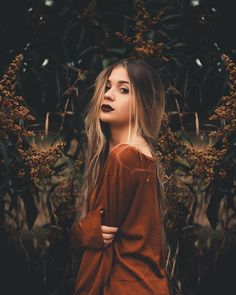Flowers girl photography smile 67 ideas for 2019 Portrait Photography Poses, Photography Poses Women, Autumn Photography, Tumblr Photography, Portrait Poses, Photo Poses, Creative Photography, Fashion Photography, Outdoor Modeling Photography