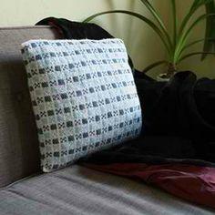 Winter Pillow: #knit #knitting #free #pattern #freepattern #freeknittingpattern #knittingpattern