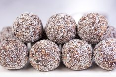 An ultimate guide to the best protein ball recipes Coconut Protein, Best Protein, Protein Ball, Melting Chocolate Chips, Dark Chocolate Chips, On The Go Snacks, Raw Almonds, Vanilla Protein Powder, Raw Cacao