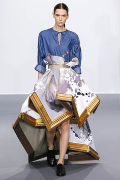 See all the Collection photos from Viktor & Rolf Autumn/Winter 2015 Couture now on British Vogue Couture Mode, Style Couture, Couture Fashion, Runway Fashion, Arte Fashion, Fashion Week, High Fashion, Fashion Show, Victor And Rolf