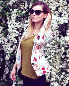 Collection of hours wearing Solano #fashion #blogger #floral #eyewear #woman
