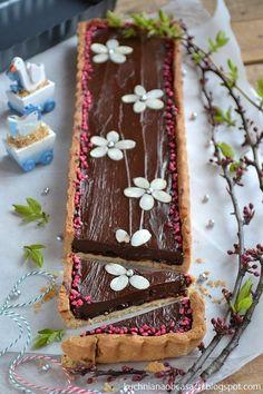 kuchnia na obcasach: Mazurek czekoladowy No Bake Desserts, Delicious Desserts, Polish Recipes, Rice Cakes, Sweet Cakes, Cake Cookies, Food Photo, I Foods, Cake Decorating