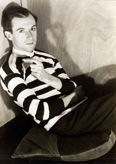 Cecil Beaton photographed by Curtis Moffat