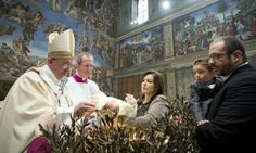 Pope Francis encourages mothers to breastfeed - even in the Sistine Chapel