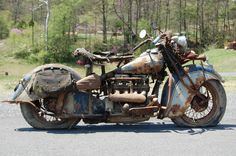 Abandoned cars and barn finds picture thread! Motos Vintage, Vintage Indian Motorcycles, American Motorcycles, Vintage Bikes, Vintage Motorcycles, Custom Motorcycles, Moto Scrambler, Indian Motorbike, Indian Motors
