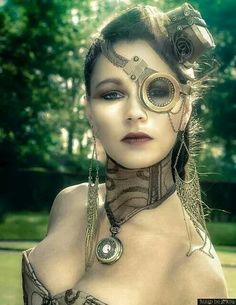 Beautiful Steampunk monocle.