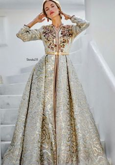 Caftan Brocard a luxurious fabric with golden decorations and pearl Morrocan Dress, Moroccan Caftan, African Dress, Indian Dresses, Arabic Dress, Caftan Dress, Hijab Dress, Oriental Fashion, Dress Images