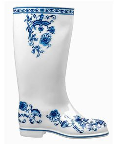 Maxim Velcovsky-regenlaars...rain boots. Love the blue and white pattern, like…