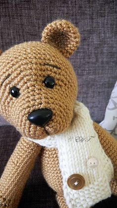 pattern available on raverly http://www.ravelry.com/patterns/library/teddy-bear-42