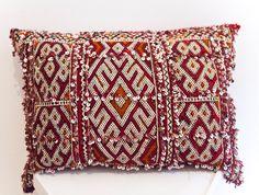 KILIM PILLOW | MOROCCAN Kilim Pillow | Vintage Kilim Cushion | 22x16 in by MoroccanMaison on Etsy