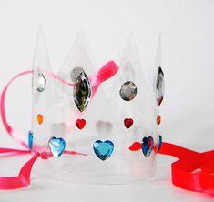 DIY Recycled Water Bottle Party Crown ...Krone aus einer Plastikflasche... toll für Prinzessinnen-Partys