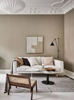 Now that fall weather seems to be all we are getting here in Munich, I'm really drawn to tints of brown and beige like in this stunning Swedish interior. The warm beige walls in the living room go very nicely … Continue reading → Apartment Interior, Living Room Interior, Home Interior Design, Living Room Decor, Decor Room, Interior Styling, Interior Decorating, Wall Decor, Decoration Design