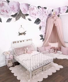 Bedroom Decoration 50 easy photos and ideas - Page 36 of 50 - my room - Bedroom Baby Room Decor, Nursery Room, Bedroom Decor, Bedroom Furniture, Girl Decor, White Furniture, Nursery Ideas, Toddler Room Decor, Childrens Room Decor