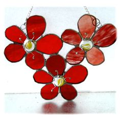 Bunch of Dahlias Stained Glass Flower Suncatcher - The British Craft House Stained Glass Flowers, Stained Glass Art, Bunch Of Flowers, Real Flowers, Different Shades Of Red, Stained Glass Suncatchers, Dahlia Flower, Dahlias, Red Glass