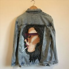 Your place to buy and sell all things handmade : Hand painted vintage jacket jasje spijkerjasje jeans denim Painted Denim Jacket, Painted Jeans, Painted Clothes, Hand Painted, Denim Paint, Diy Jeans, Jeans Denim, Custom Clothes, Diy Clothes