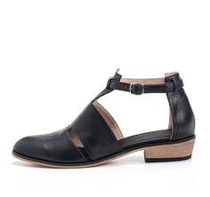 Black Leather Shoes / Women Flats / Every by EllenRubenBagsShoes