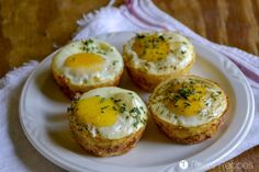Need an easy, grab-n-go breakfast? These gluten-free Egg & Potato Breakfast Muffins are for you! They're hand-held, grain-free, and Whole30!