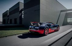 black bugatti 16.4