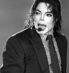 Michael Jackson Dangerous 2002 Live in American Bandstand