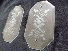 Keep your doors nice and clean with these vintage Etched Glass Push Plates by CuriosAnCollectibles, £12.99