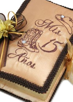 Quinceanera Photo Album Guest Book Kneeling Tiara Pillows Bible Q3024 Visit us online at www.trendyparadise.com