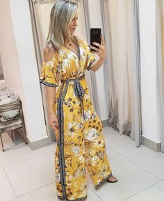 Jumpsuit Outfit, Black Jumpsuit, Outfits For Teens, Casual Outfits, Traditional Gowns, Outfit Trends, Summer Chic, Outfits Primavera, Silk Dress