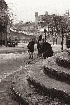 Stará Bratislava Bratislava, Time Travel, Old Photos, Street View, Outdoor, Geo, Times, Antique Photos, Outdoors