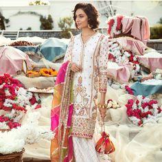 PAKISTANI Pakistani Wedding Outfits, Pakistani Dresses, Indian Dresses, Indian Outfits, Bridal Outfits, Girl Outfits, Shadi Dresses, Pakistani Couture, Desi Clothes
