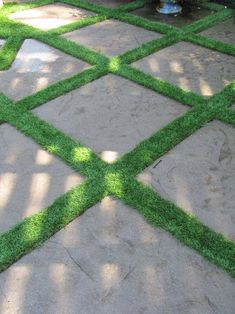 Would you believe artificial grass? Artificial turf can serve as a permeable break between flagstones. Never have to mow Outside Flooring, Patio Flooring, Flooring Ideas, Paver Designs, Faux Grass, Artificial Turf, Artificial Grass Ideas, Garden Inspiration, Backyard Landscaping