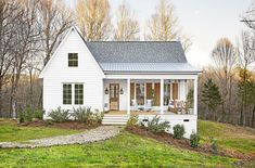 Below are the Modern Farmhouse Design House Plans Ideas. This article about Modern Farmhouse Design House Plans Ideas was posted … Small Farmhouse Plans, Southern Farmhouse, Modern Farmhouse Exterior, Farmhouse Design, Rustic Farmhouse, Farmhouse Style, Farmhouse Front, Farmhouse Renovation, Farmhouse Lighting