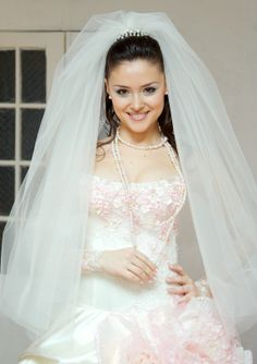 How to Pick the Perfect Wedding Veil