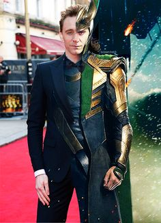 The quality of this editing is astounding. / Tom Hiddleston and Loki Loki Marvel, Loki Thor, Tom Hiddleston Loki, Thomas William Hiddleston, Loki Laufeyson, Traje Loki, The Frankenstein, Marvel Memes, The Villain