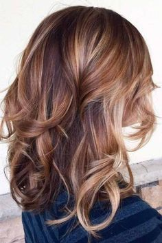 Lovely Medium Hair Styles With Layers picture 5