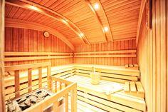Gesucht: Großartiger Skiurlaub mit Wellness • Gefunden: Hotel Garni Dr. Köhle in Tirols Skidimension Serfaus-Fiss-Ladis ⛷✨🎿🌨❄️💏 #hotelgarniköhle #hotelserfaus #skiurlaub #serfaus-fiss-ladis #skifahren #wellness #weihnachten #silvester #zeit #mit #den #liebsten #urlaub #buchen Loft, Stairs, Wellness, Outdoor, Home Decor, Relax Room, Ski Trips, Skiing, New Years Eve