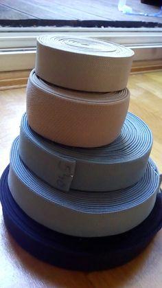 Szürke árnyalatú széles gumik  3,5-5 cm széles Ár: 100 -140 Ft/m