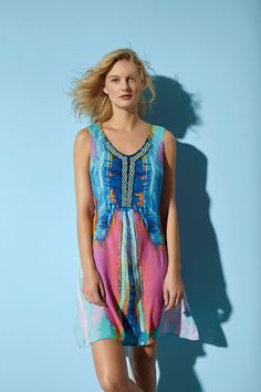 It is an item that can't miss in your wardrobe! Desigual sleeveless dress with arty brush strokes and embroidered beads.