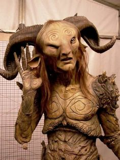 The process of bringing the faun from Pans Labyrinth to life (28 Photos)