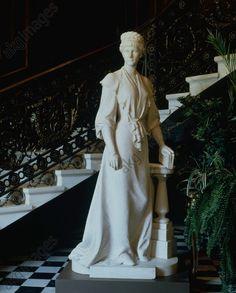 A statue of Empress Elisabeth in the Hermesvilla